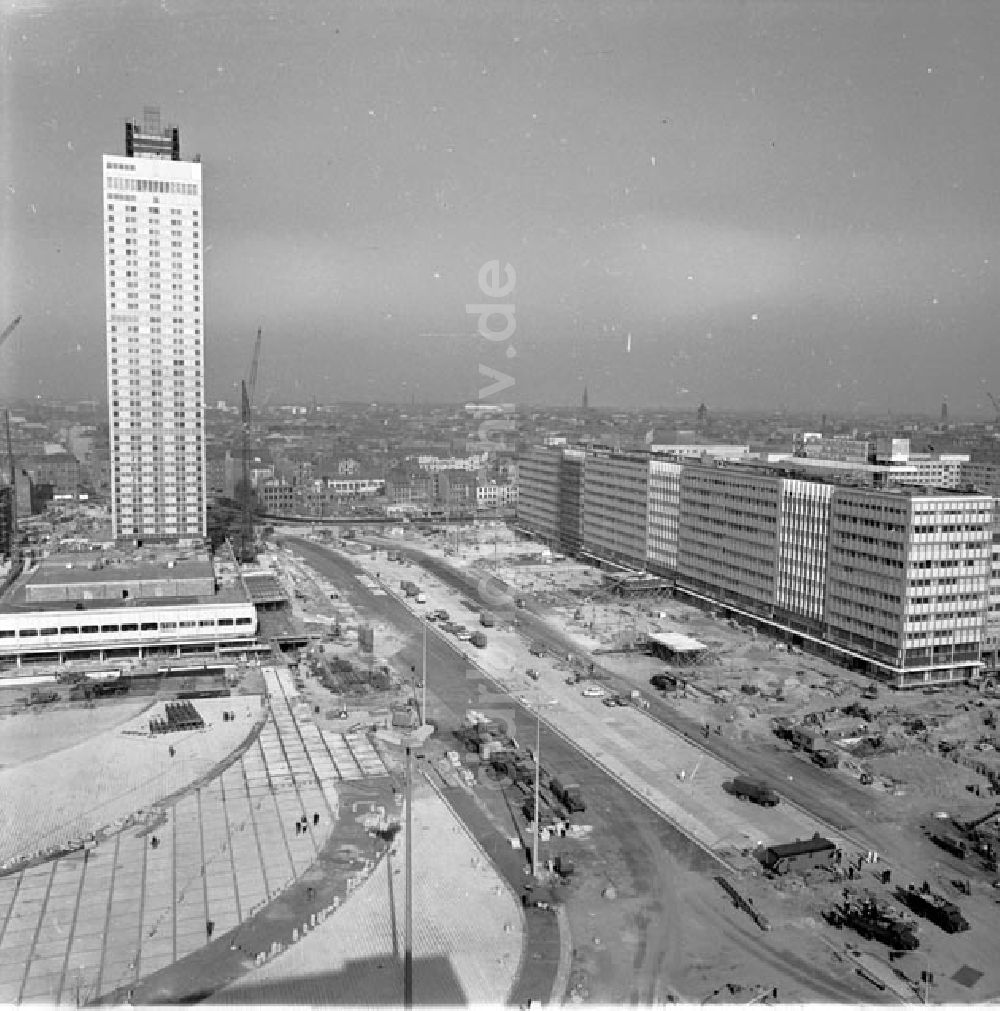 Berlin: Alexanderplatz 1969