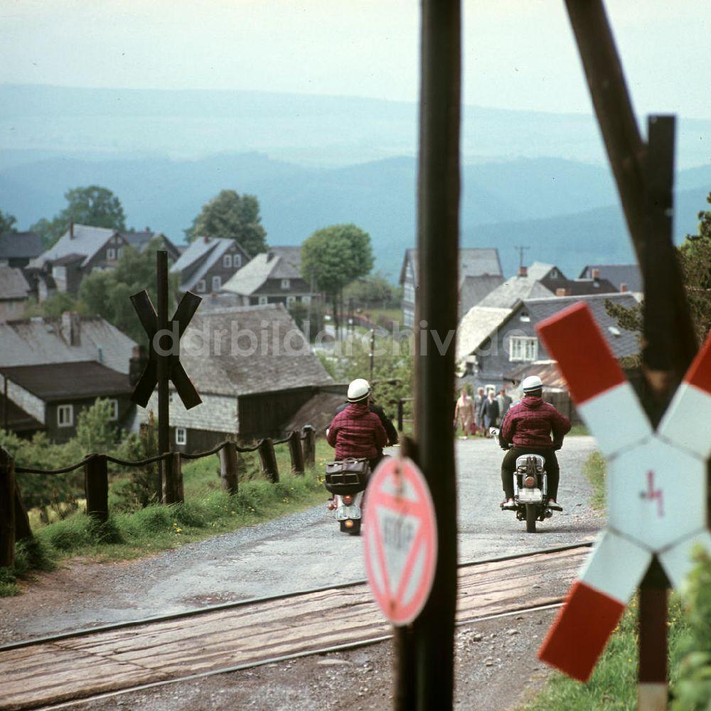 Paysage des 2 roues : hier et aujourd'hui Ddr-fotos-ddr-thueringer-wald-55900