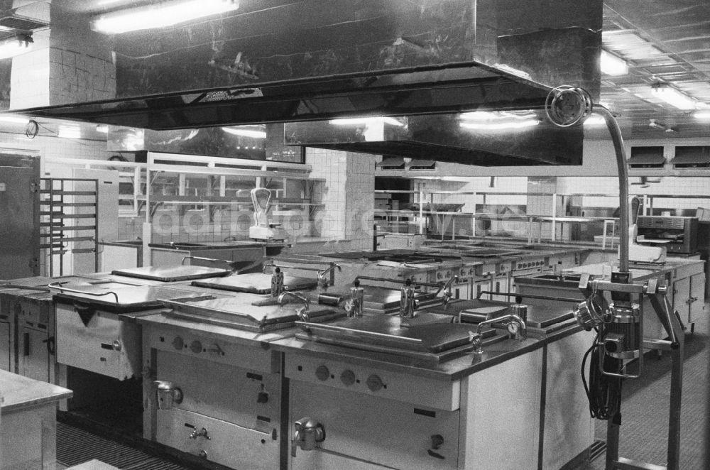 Kücheneinrichtung Berlin fotoarchiv berlin kücheneinrichtung palastküche im palast der