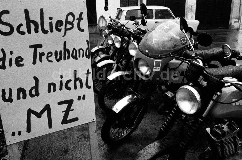Paysage des 2 roues : hier et aujourd'hui Ddr-fotos-thema-kfzmeister-treuhand-pankow-fotolange-umschlagsnummer-23486